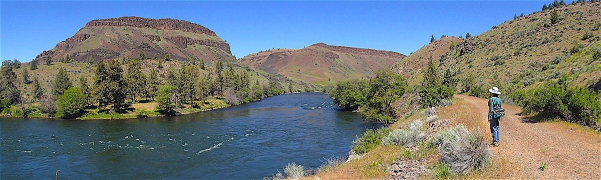 The Old Railway along the Deschutes River